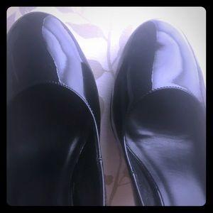 Cole Haan Black Heels Size 9 (Nike Air)